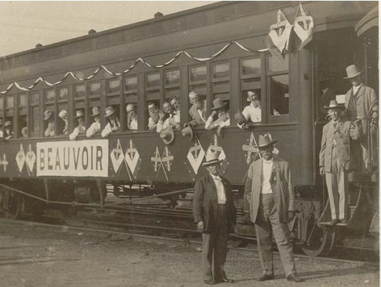 Beauvoir veterans arriving at Gettysburg reunion, 1913